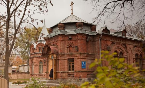 Какие женские и мужские монастыри есть во Владивостоке?