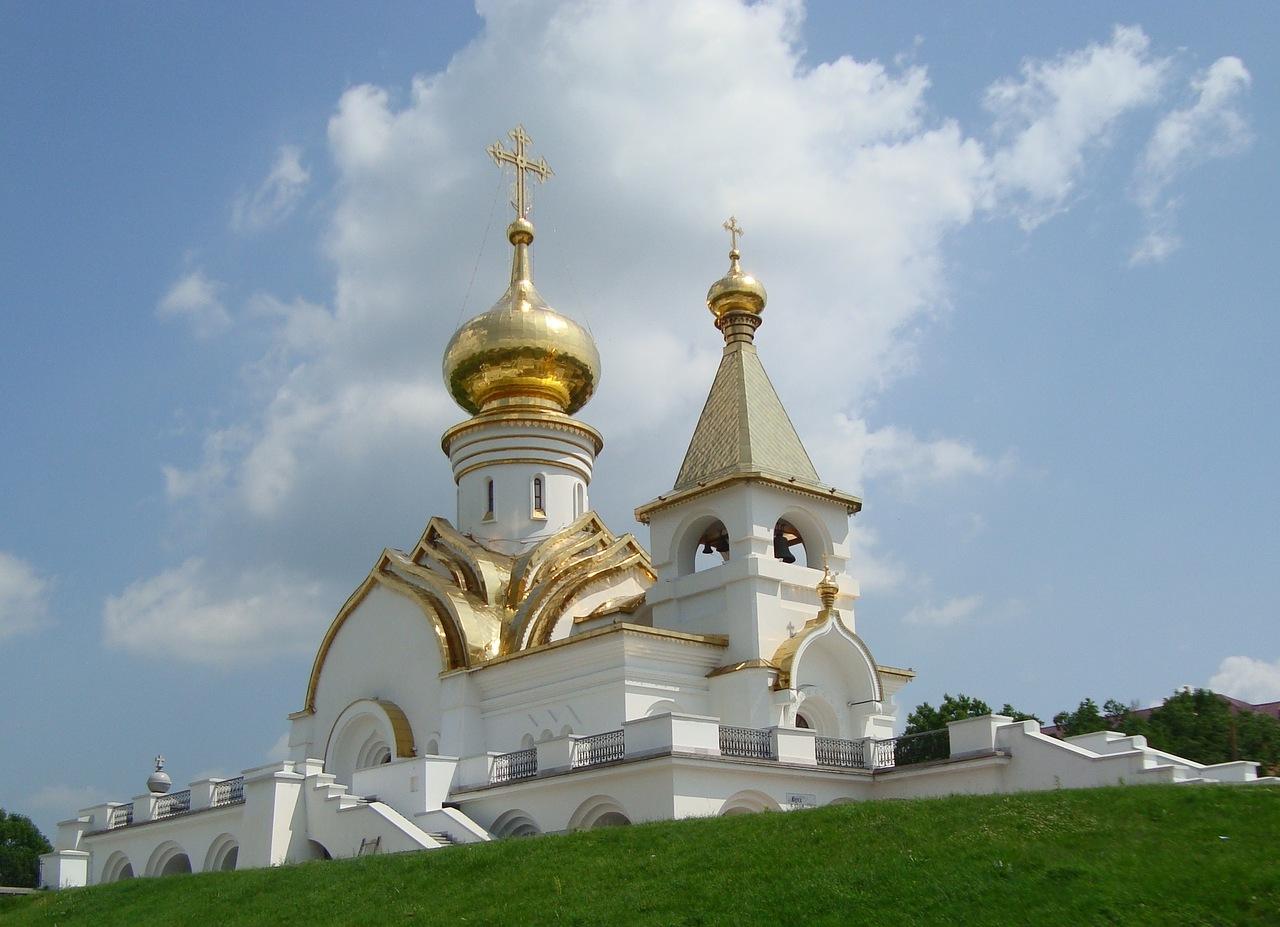 Какие женские и мужские монастыри есть в Хабаровске?