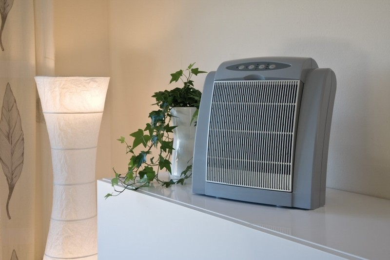 Зачем нужен ионизатор воздуха для дома