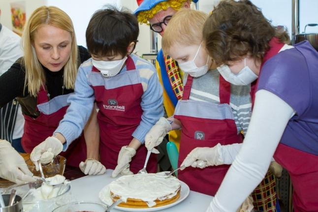 Какую помощь оказывают детские благотворительные фонды в Хабаровске?